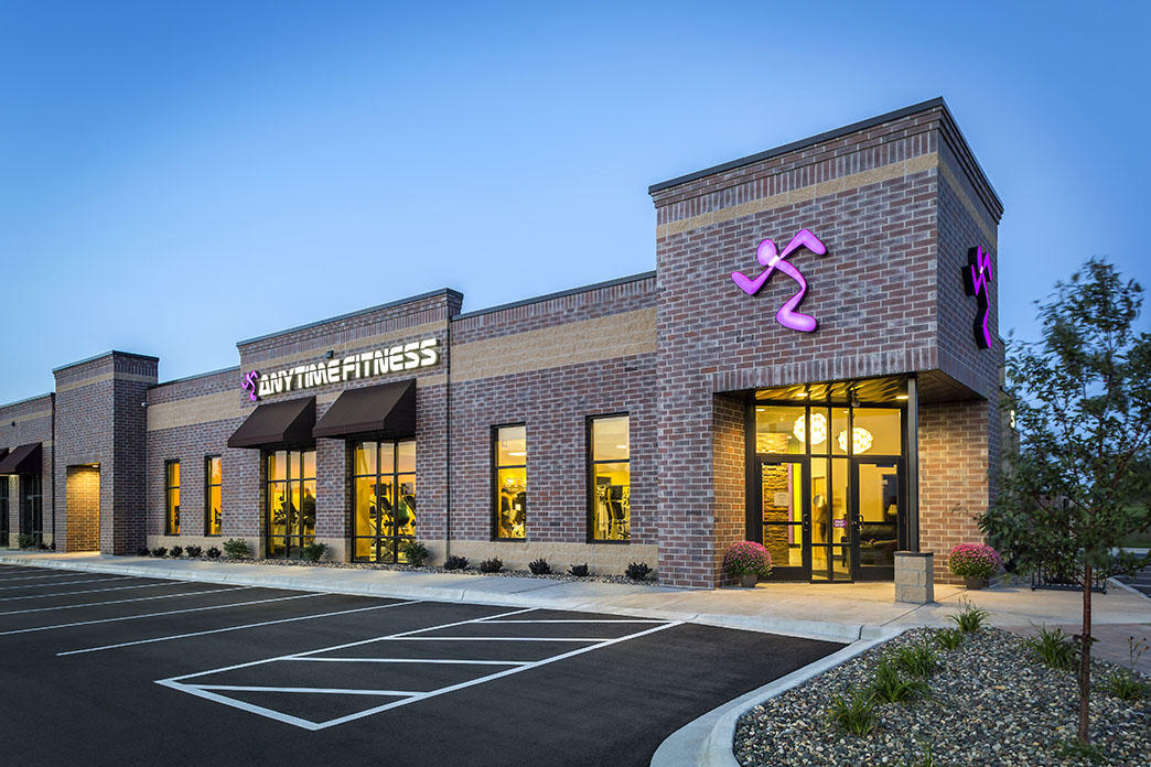 how much is an anytime fitness franchise