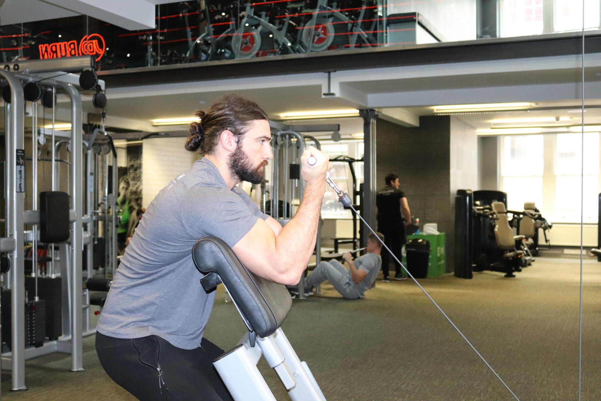 how to do a cable bicep curl